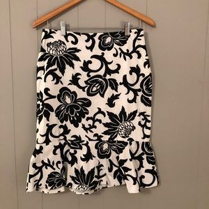 WHBM Bell Hem Black White Damask Print Skirt